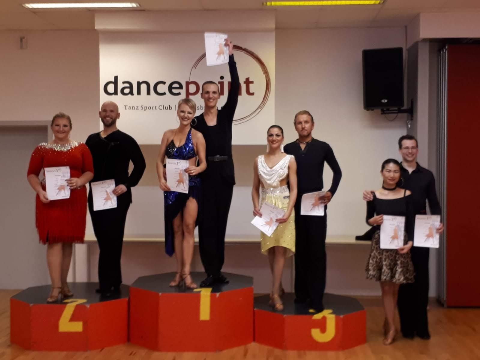 Der Sieg in der Hauptgruppe II C Latein brachte Michi und Yvonne den Aufstieg in die B-Klasse.